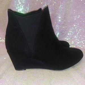 Black booties sz 8